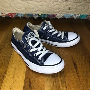 Converse Low Kids Shoe Size 1.5
